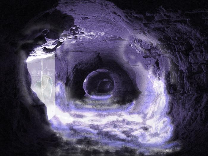 Ледяные блоки с животными в подземельях Самарской Луки