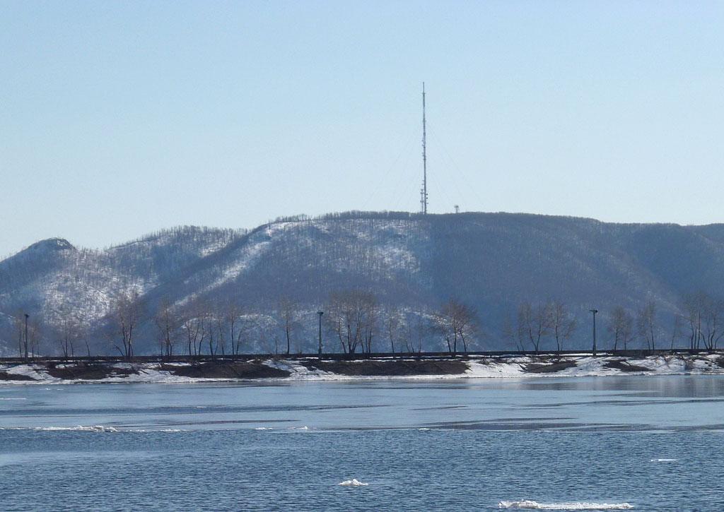 Гора Отважная — большая антенна и гора Шишка